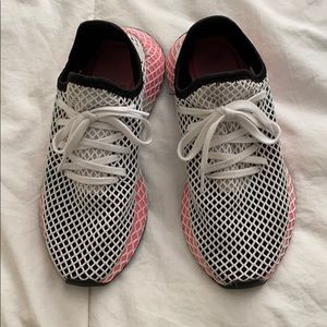 Adidas Deerupt Sneakers!